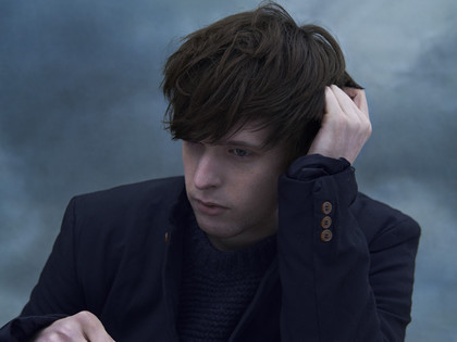 "vom neuen album ""overgrown"" - James Blake veröffentlicht Video zur Single ""Retrograde"""